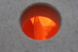 Blick in den Brennofen bei ca. 950°
