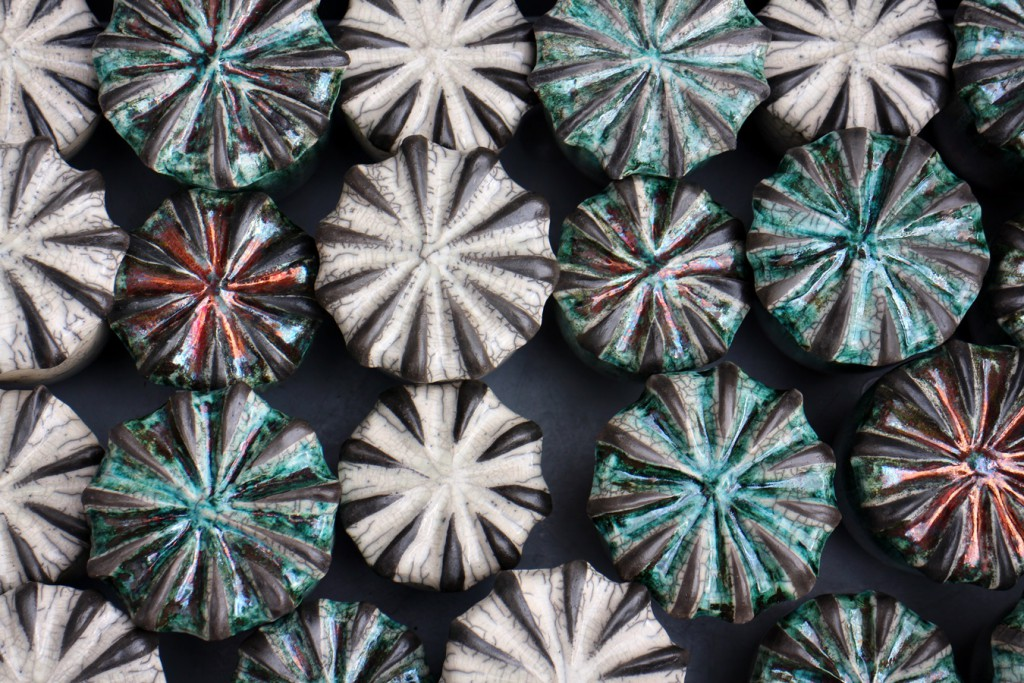 Dosen Mohnkapsel aus Raku Keramik